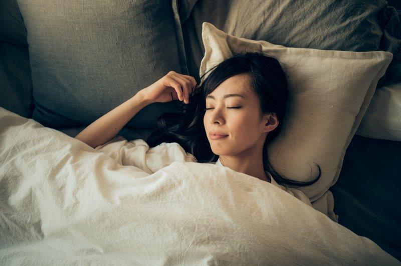 向き 気持ち悪い時 横になる あなたは右向き?左向き? 寝るときの体の向きで、健康になれるかも!?